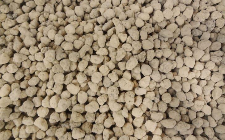 赤玉土(あかだまつち)とは?赤玉土の使い方や特徴・効果について。